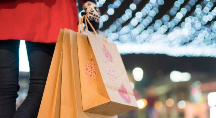 Kiedy szczególnie przydatne są małe torebki papierowe?